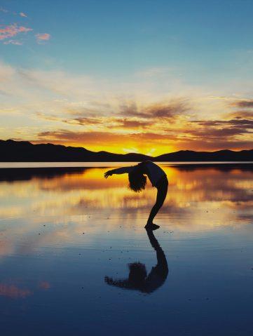 Yoga: cómo hacer el saludo al sol